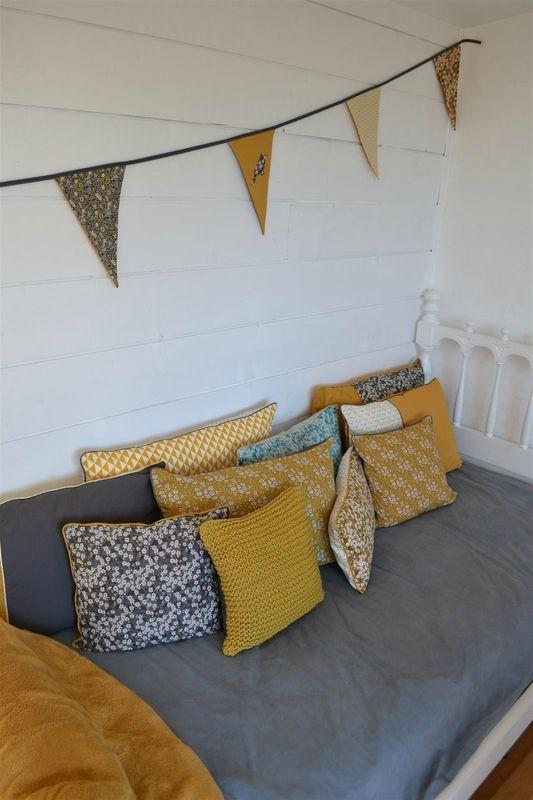les 25 meilleures id es de la cat gorie rideaux en crochet sur pinterest crochet motif de. Black Bedroom Furniture Sets. Home Design Ideas