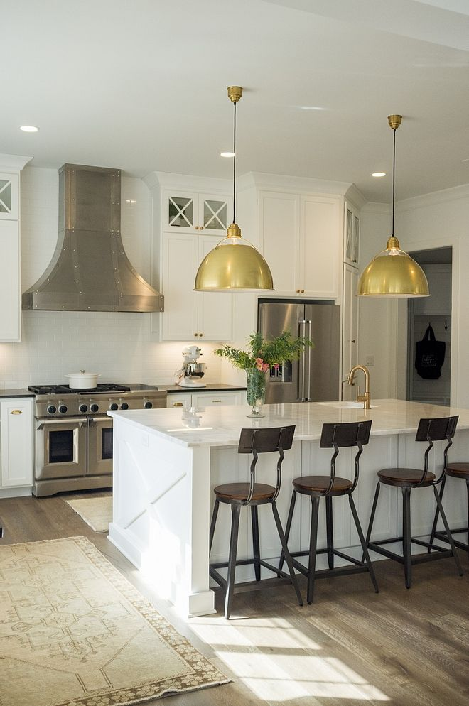 Benjamin Moore Oc 65 Chantilly Lace Kitchen Cabinet Wall Paint Color