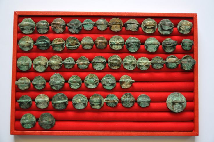 Amlash bronze rings with figurines back, 1st millenium B.C. Private collection
