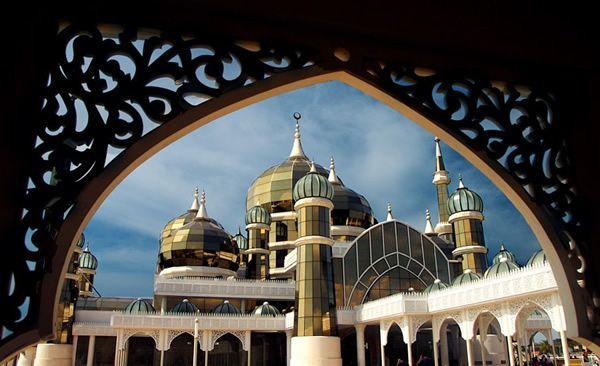 Crystal Mosque (Terengganu, Malaysia) (Image Credit: Azam Hashim)