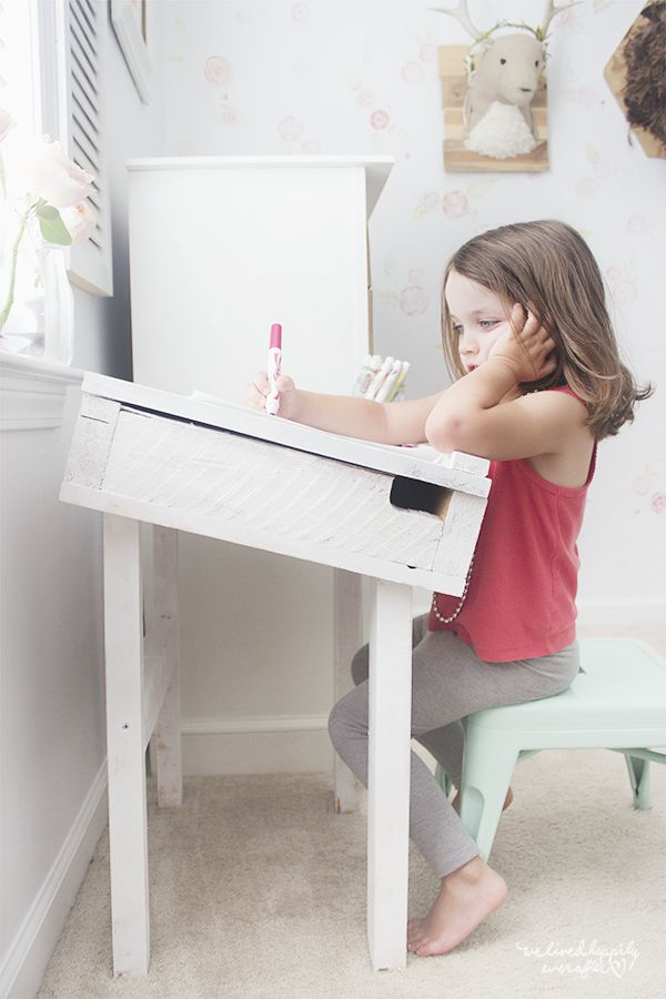 Toddler Shanty Chic Artist Desk...how to...