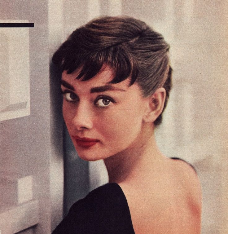 17 best ideas about audrey hepburn hairstyles on pinterest. Black Bedroom Furniture Sets. Home Design Ideas