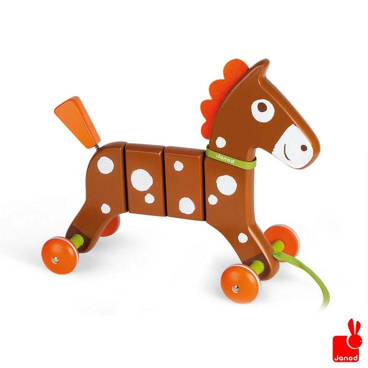 Janod Trekfiguur Crazy Pony bruin paard  Janod Trekfiguur crazy pony bruin paard, Dit paard wil graag met jou uit rijden gaan! http://www.janod.nl/janod-trekfiguur-crazy-pony-bruin-paard.html