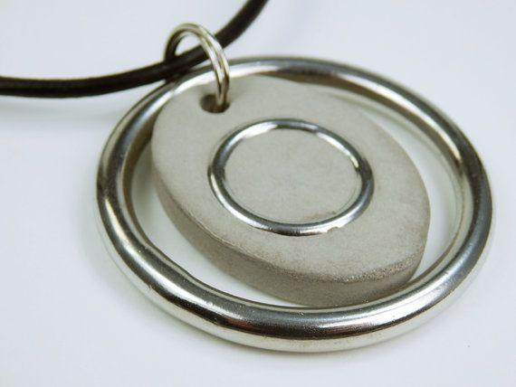 Halskette Ring der... Betonschmuck am schwarzen von ArtJewelryFun
