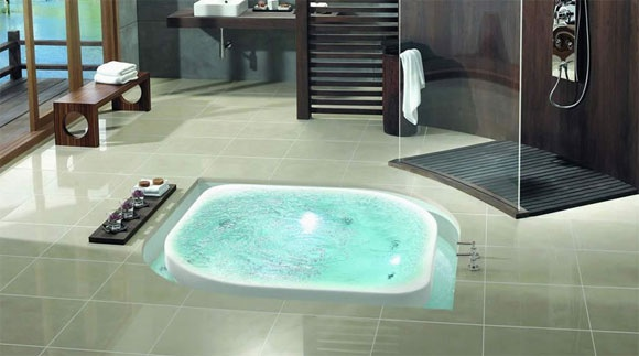 Could a bathtub look more inviting?
