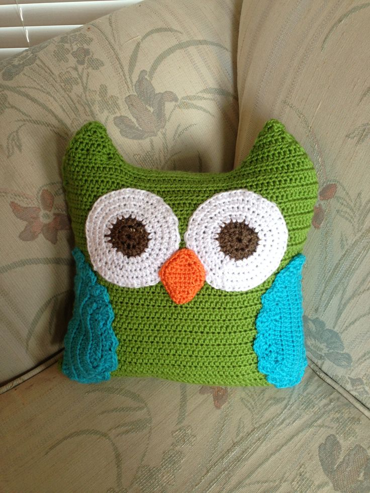 Free Crochet Owl Cushion Pillow Pattern : 34 best images about Owl Pillows on Pinterest Mid ...