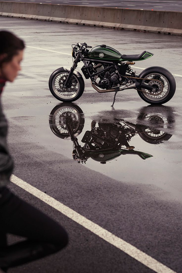 When Kawasaki France tapped Mario Raphael Soares of MRS Oficina to transform a Vulcan S, he was given carte blanche—and that was a very good thing. MRS' Vulcan Racer completely transforms the bulky, stock cruiser into a cafe-racing weapon that would undoubtedly out-sell its donor on any showroom floor.
