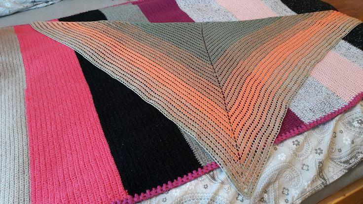 Šátek z duhového klubka