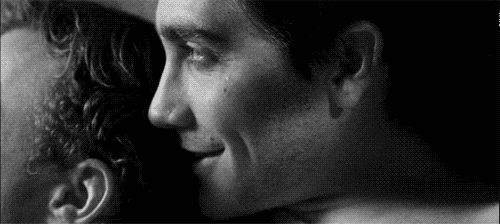 32 Adorable Jake Gyllenhaal GIFs in Honor of His 32nd Birthday - thebacklot.com