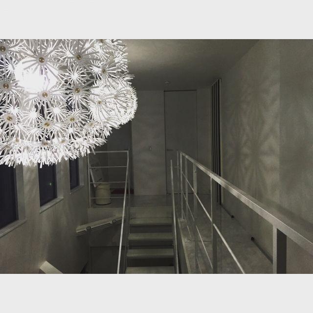 mamikumaさんの、照明,IKEA,kartell,オリバーガル,プラダ,新築,モノトーン,シンプル,階段,吹き抜け,壁/天井,のお部屋写真