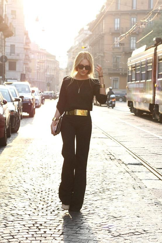 Black is still black...lol! Love the touch of gold on the belt...probably would choose a different shoe, but love this look and the location. NOLA perhaps?