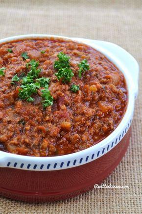 Voici le plat que tout le monde adore à la maison (même bébé Sofia), un grand classique de la cuisine Italienne, je suis sûre qu'il fait l'unanimité chez vous aussi ... Macaronis à la Bolognaise La recette de la sauce bolognaise: 300g de viande hachée...