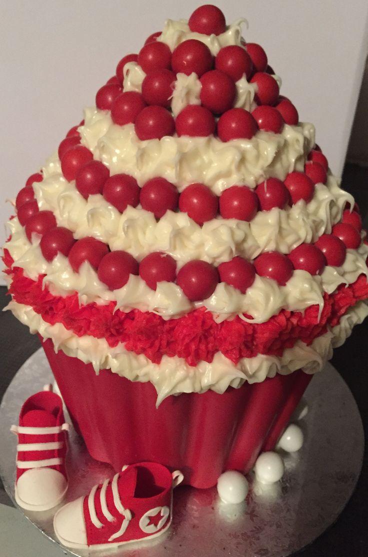 Giant Cupcake (baby shower)