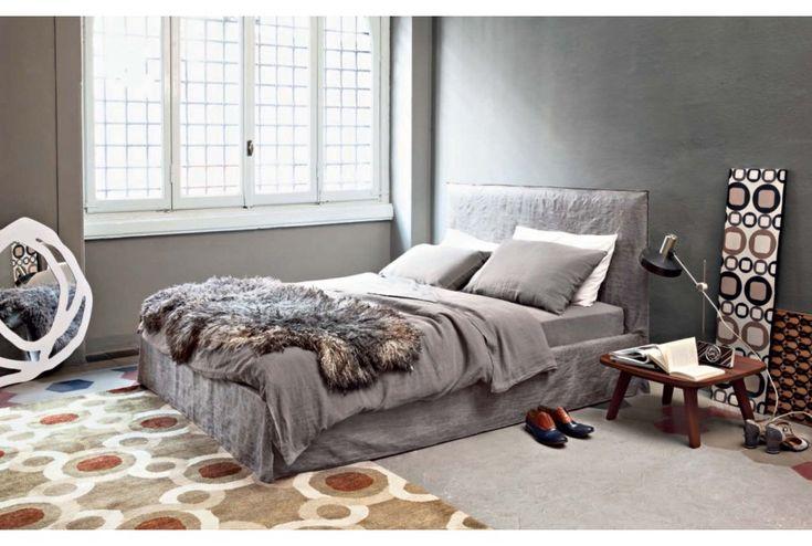LINEA - Queen/King Bed. To purchase these items contact RADform at +1 (416) 955-8282 or info@radform.com #modernfurniture #contemporarydesign #interiordesign #modern #furnituredesign #radform #architecture #luxury #homedecor #modernloft #loft #bedroom #bedroomfurniture