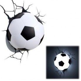 De 3D Soccer Light is ideaal voor elke supporter! Hang deze stoere lamp aan de wand en pimp zo elke jongenskamer! MegaGadgets.nl