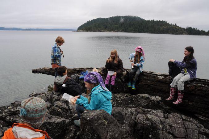lakehouse learning --- Nature walk to Hank's beach (mason's community hall school)-