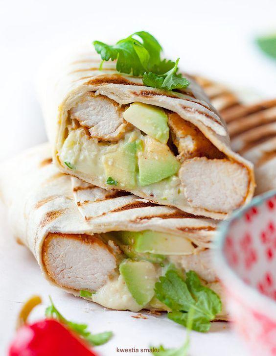 Burrito z kurczakiem i awokado