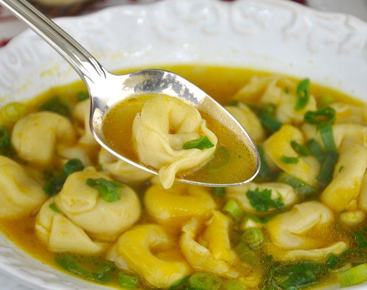 Capeletti in Brodo  http://www.montaencanta.com.br/dom-do-chefe/capeletti-in-brodo-vapt-vupt/