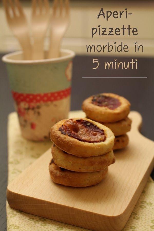 Pizzette morbide in 5 minuti. Yogurt greco farina autolievitante e condimento!