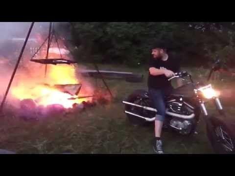 Harley Davidson ile Kamp Ateşi Yakma - http://www.aylakkarga.com/harley-davidson-ile-kamp-atesi-yakma/