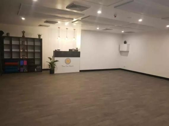 Fully Equipped Yoga Studio For Sale For Sale With Images Yoga Studio