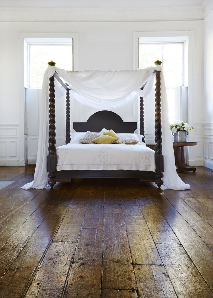 Our Mayfair four poster bed is a dramatic centrepiece for the bedroom, featuring elegant barley sugar twisted mahogany posts... #fourposterbed #handmade #luxurybeds simonhorn.com