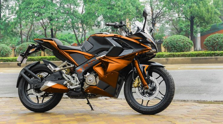 Bajaj Pulsar RS 200 Modified