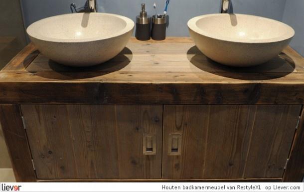 25 beste idee n over houten wastafel op pinterest badkamer hanglamp gastenbadkamer en - Originele toilet decoratie ...