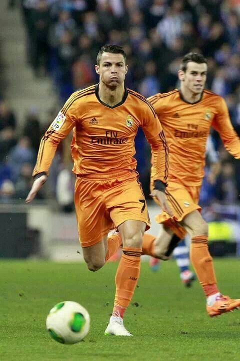 Ronaldo dribbling and Bale hardcore creeping in the back.  Bale's face makes my day!