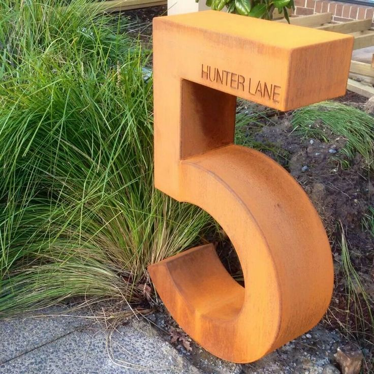 Corten letterbox 3D number
