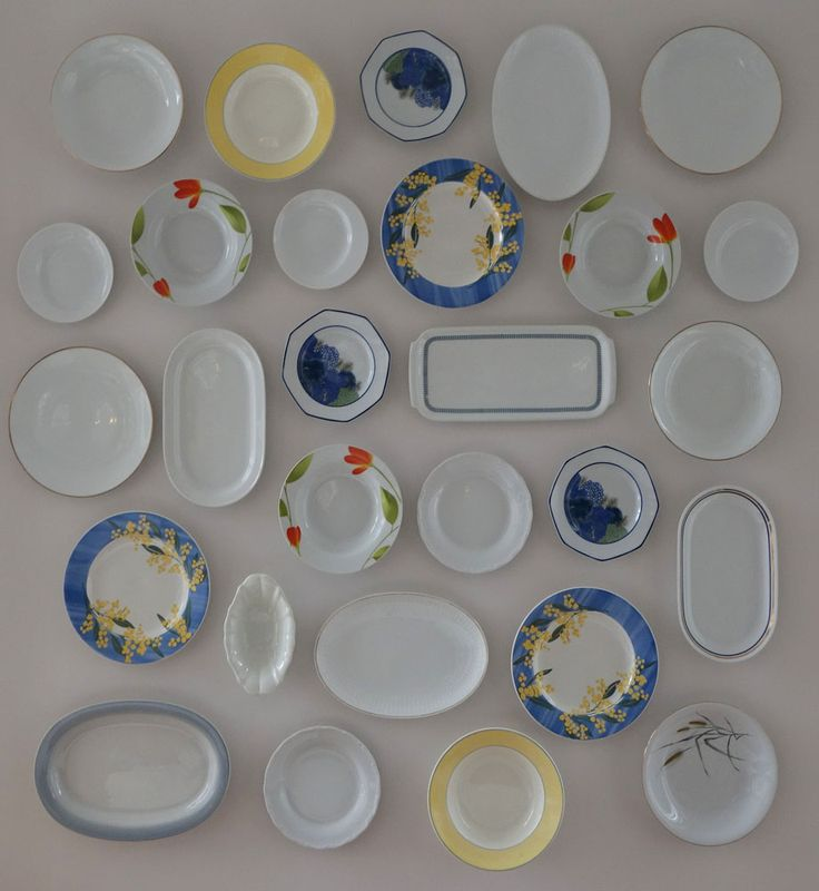 fun way to decorate your kitchen or dining room walls with colorful plates