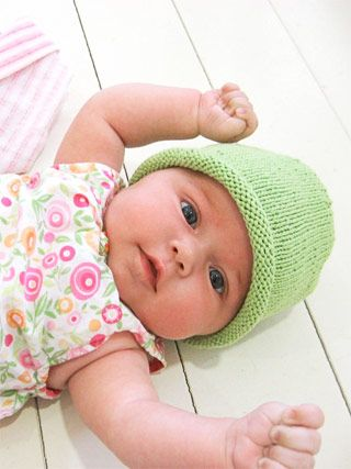 Simple Baby Hat (free knitting pattern) by Alison Williams http://blueskyalpacas.com/patterns/simple-baby-hat-free-pattern/