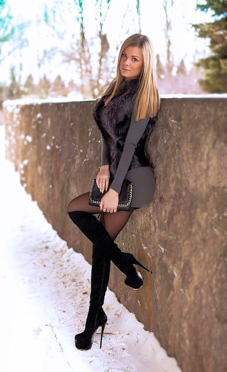 Sexy women in high heels-7518