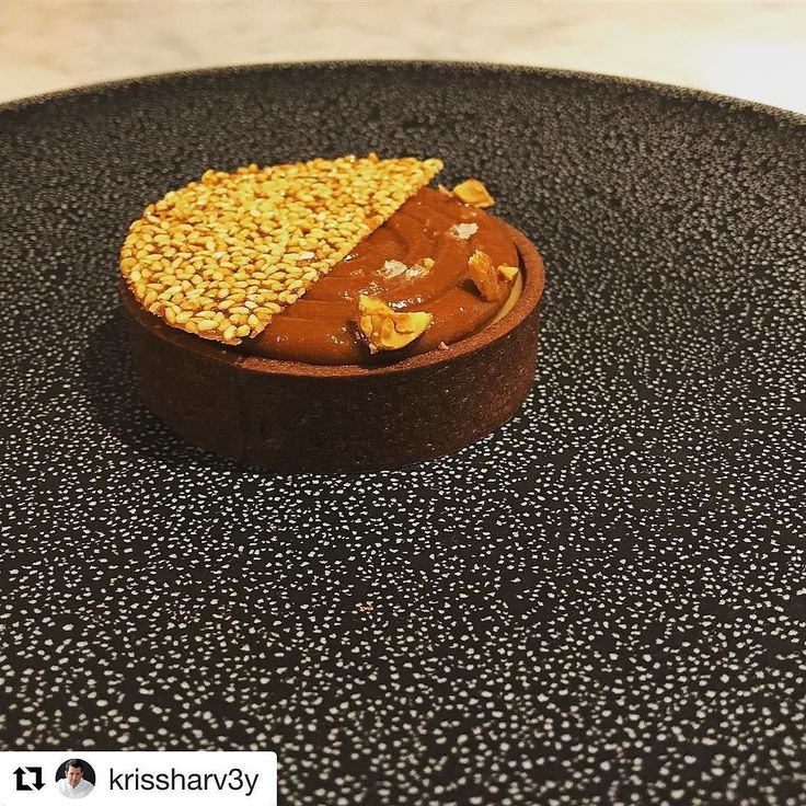 #Repost @krissharv3y (@get_repost) @bakelikeapro  Just having a blonde moment here ...more to come on this next week because I only made one and my crew devoured it. Using the new blonde chocolate from Valrhona this is my Orelys Tart with Hazelnut Crémeux and Sesame Nougatine.  #valrhonablondmoment #blonde #dirtyblonde #nothingbeatsaplatinumblonde #chef #chocolat #chocolate #chocolatier #chocolateaddict #whitechocolate #pastry #pastrychef #pastrychef90210 #pastrychefkrissharvey #caramel…