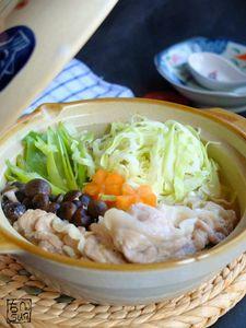 繊維やわらか☆胡麻味噌せん切りキャベツ鍋!【ひとり鍋対応】