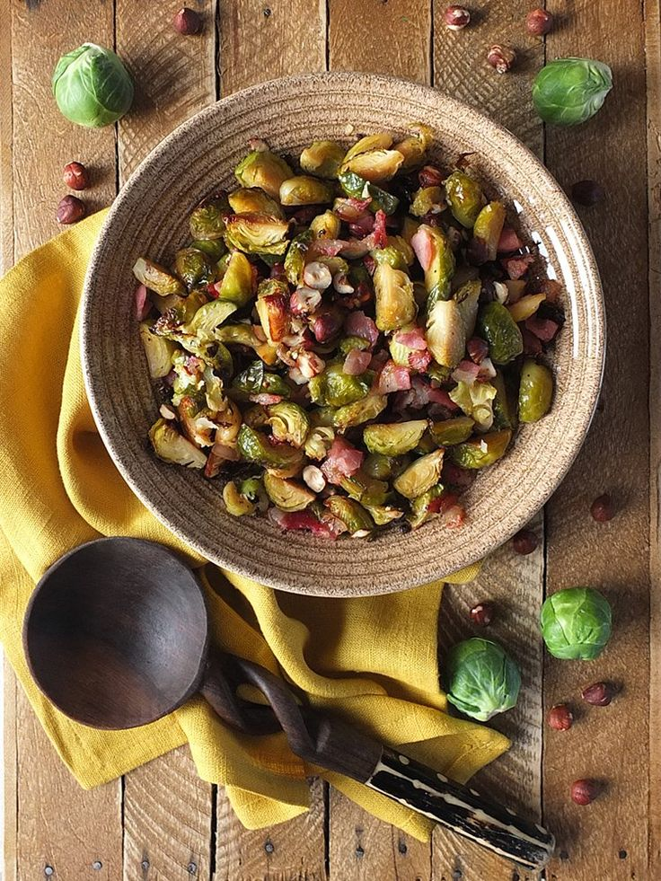 Roasted Brussels sprouts caramelised in Canadian maple syrup & flavoured with smoked back bacon. Perfect for Thanksgiving! In collaboration with OXO UK. #ad