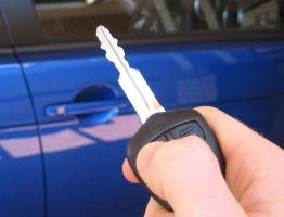 Best 5 Tips for First Car Buyers