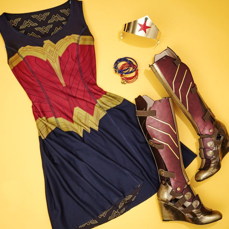 Be versatile from day to night in our reversible Wonder Woman dress and these 3-piece boots!