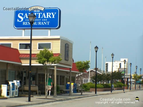 Sanitary fish market and restaurant morehead city north for Fishing morehead city nc