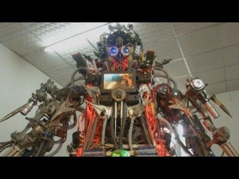 Chinese Inventor Gives All to Make Giant Robot