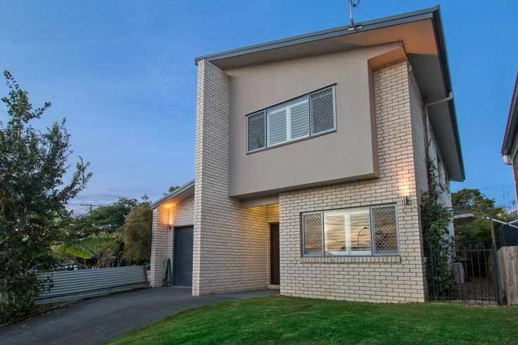 224 Blaker Rd. Keperra 3 Bed 2 Bath 1 Car  http://www.belleproperty.com/buying/QLD/City-and-North/Keperra/House/70P0072-224-blaker-road-keperra-qld-4054