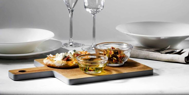 Perfect when eating with family and friends and dinner parties or a family lunch. #style #christmas #glass  All glassware available from NW3 Interiors with Free interior design consultation available in London. Contact olivia@nw3inteirorsltd.com or call 02072094442