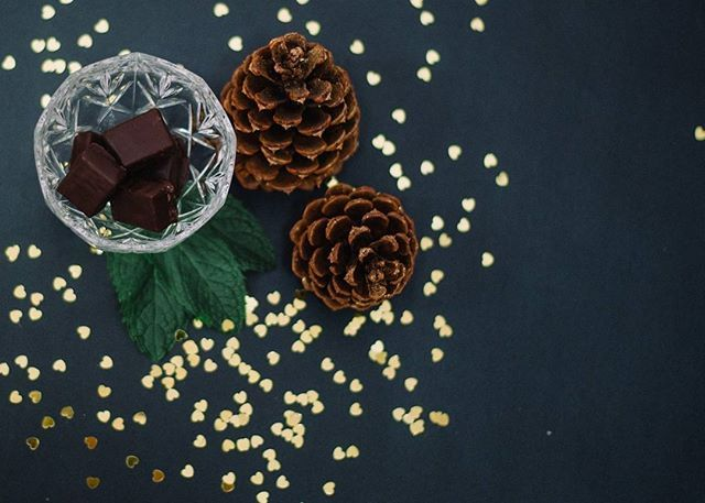 The festive season is upon us and we have some new Holiday flavors to get you into the spirit! Introducing Holiday Mint - White mint truffle dipped in dark chocolate.