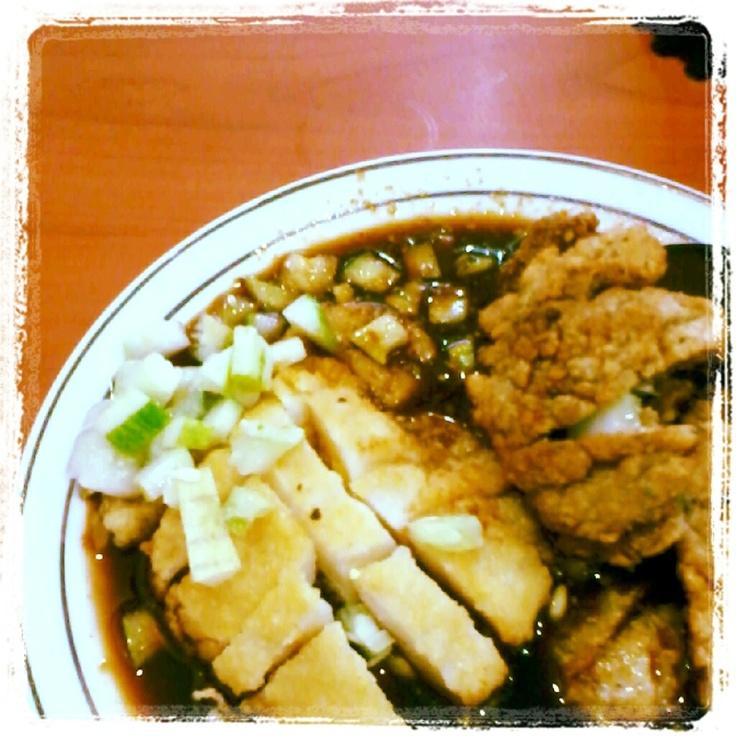 Indonesian cuisine: Pempek!