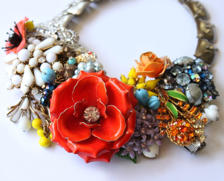 Henry - The perfect statement bridal necklace. raquelcastillo.etsy.com