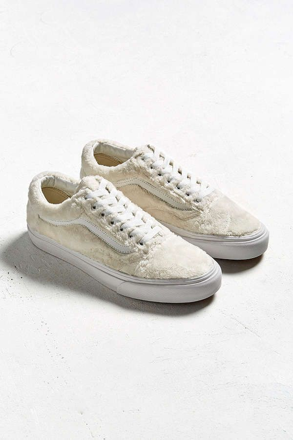 f14aaf9f729 Slide View  2  Vans Old Skool Sherpa Sneaker