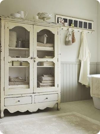 I'd use this cupboard everywhere.....love it!