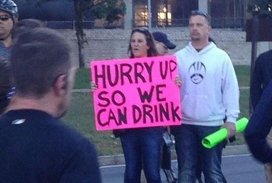 50 Marathon Signs You Wish You Thought Of - RunHaven