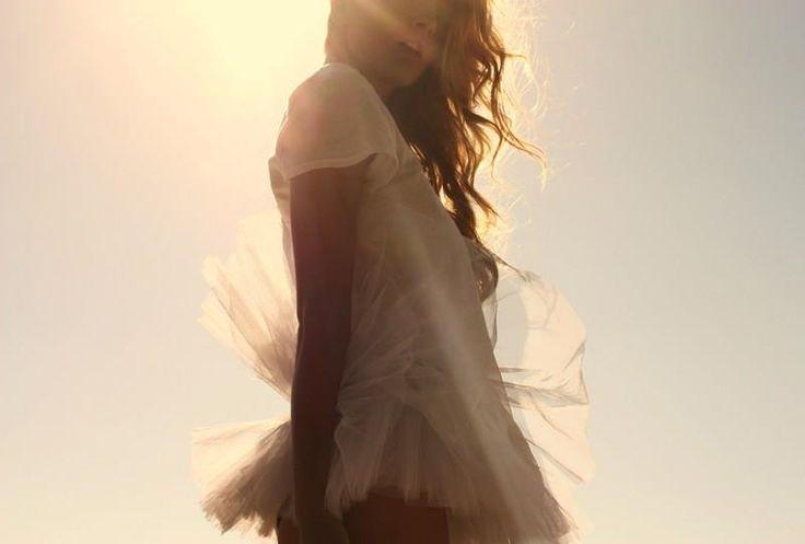 Стихи про девушку в белом платье