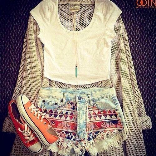 Cute summer outfit with a touch of boho design.